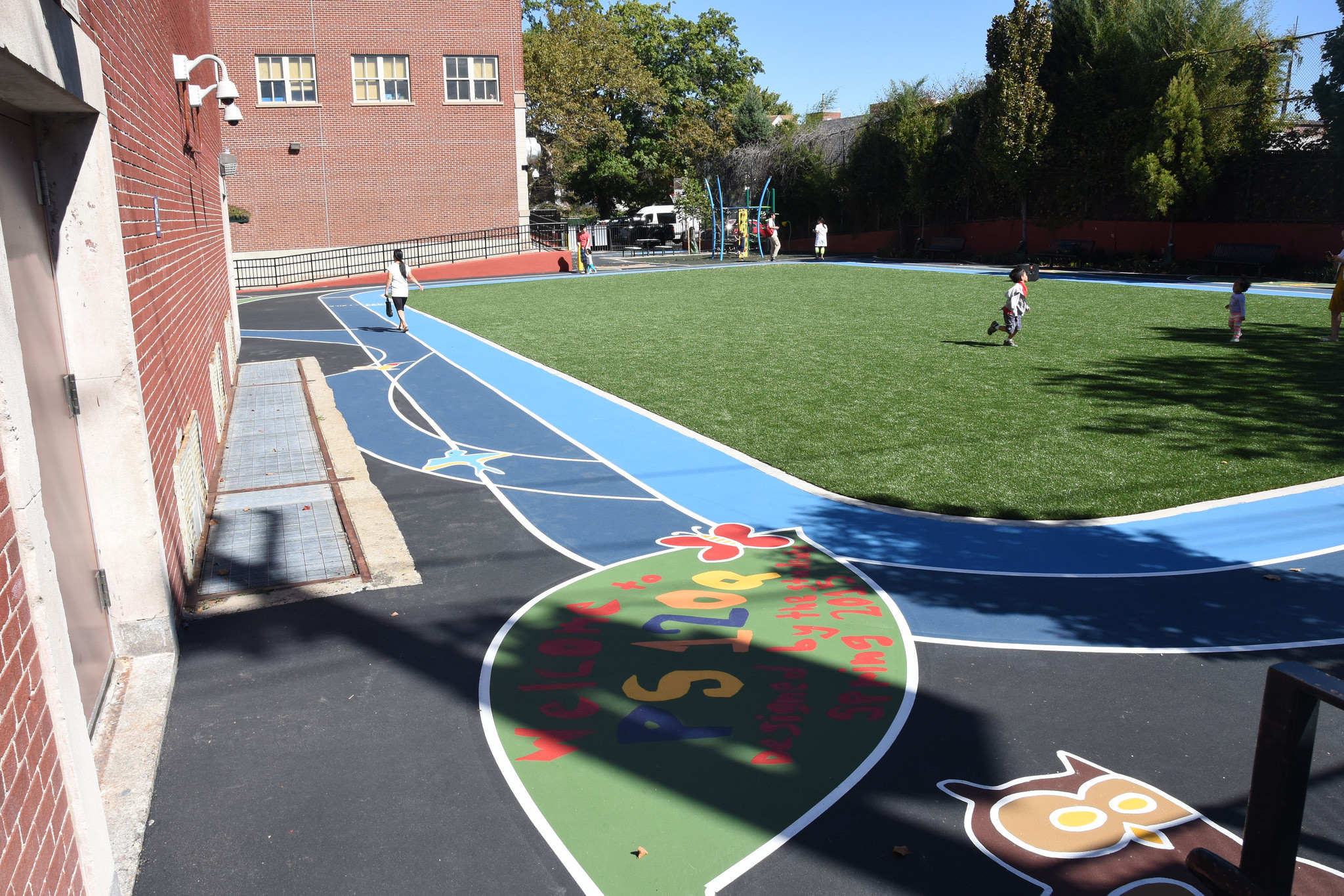 The final result of the playground that used more than 100 cubic yards of recycled porcelain during construction.