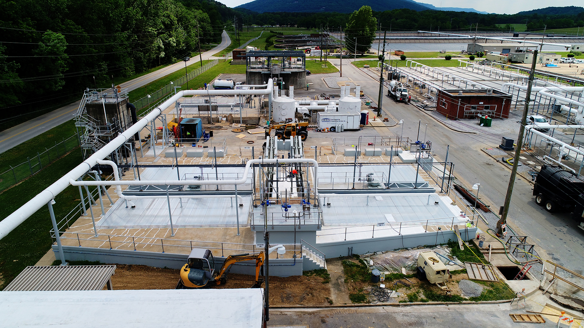 The city is making improvements to the Moccasin Bend Wastewater Treatment Plant, including the rehabilitation and upgrade of influent grit detritors and related splitter box in an effort to increase performance of the screening operations and reduce SSOs. (Photo Courtesy of Chattanooga Department of Public Works)